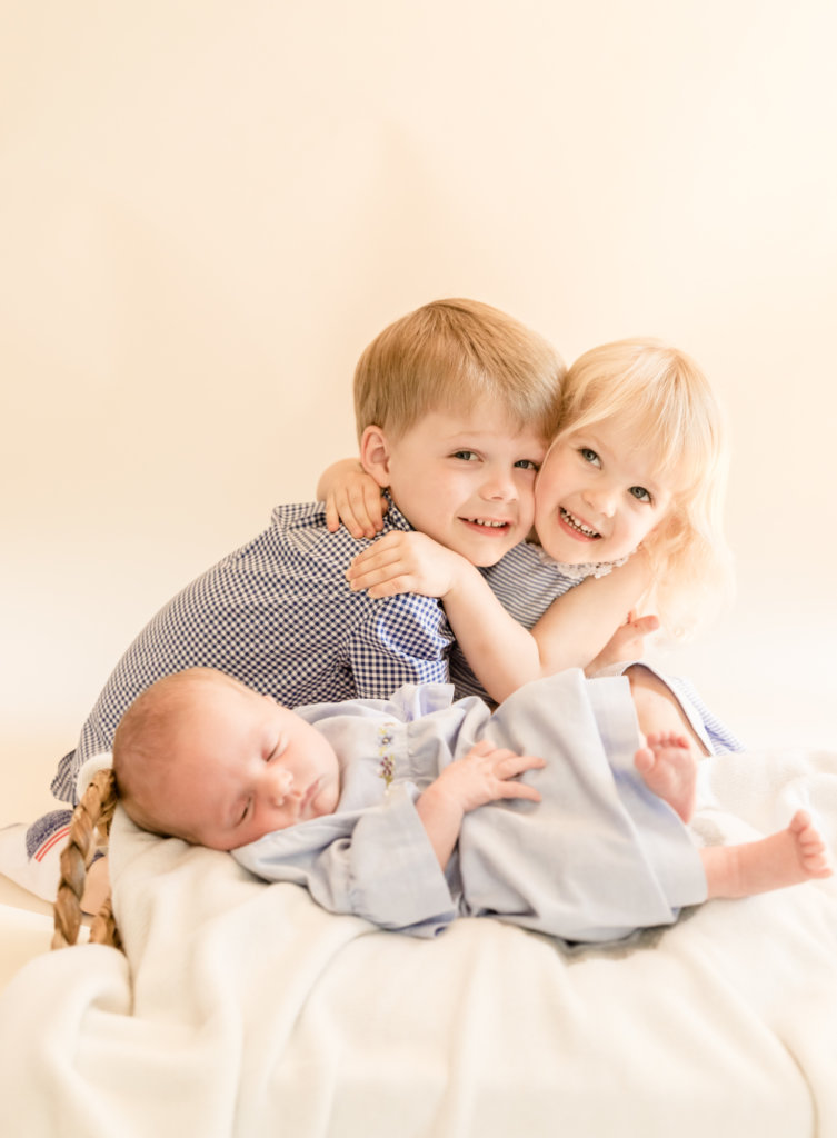 Siblings love-Duluth Newborn Photographer